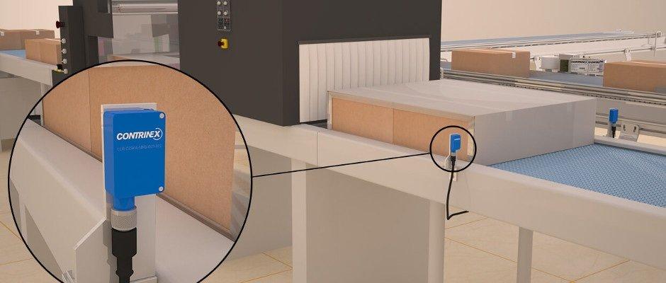 Lichtschranke mit grossem Erfassungsbereich zählt schrumpfverpackte Kartons bei Verpackungsvorgängen mit hohem Durchsatz